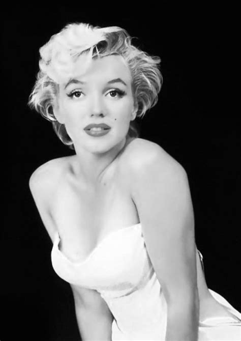 marilyn monroe black and white marilyn monroe poster portrait black and from bosidesginart on
