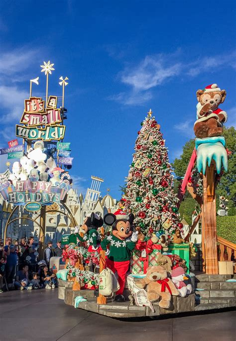 when do christmas decorations go up at disneyland
