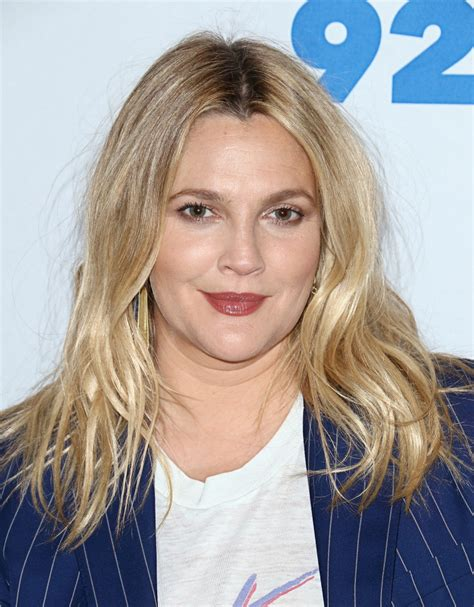 drew barrymore hair color drew barrymore dyes hair color buttery stylecaster