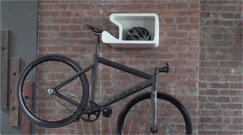 fahrrad platzsparend aufhängen shelfie ein regal f 252 r s fahrrad