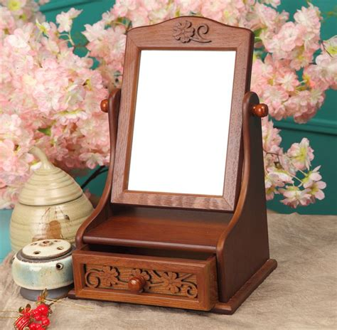 Portable Vanity Table 1000 Ideas About Makeup Table With Mirror On