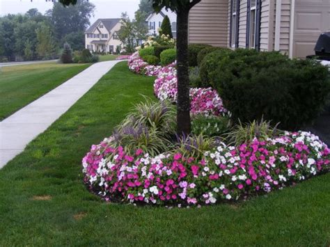 Front Yard Flower Garden Pretty Flower Edge Landscaping Ideas Front Yards Front Yard Flowers And Yard Design