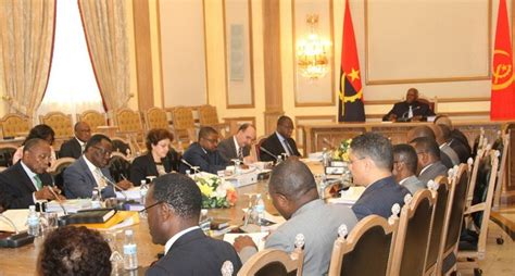 Cabinet Council by Government Reviews Simplification Of Birth Registration