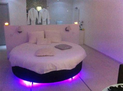 hotel lit rond lit rond du paradis blanc photo de loft bordeaux