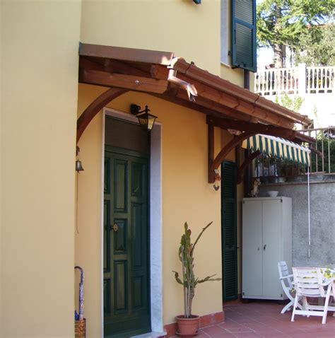 tettoie a sbalzo in legno pensilina in legno a sbalzo