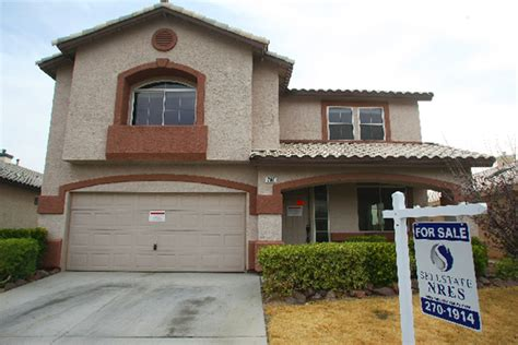 las vegas home prices up from year ago but inventory