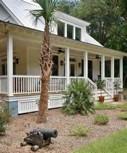 Veranda Or Patio What Is The Difference Between A Porch Balcony Veranda