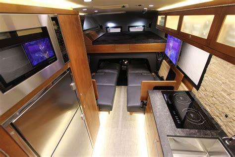 ford earthroamer interior the ultimate hunting vehicle earthroamer lt petersen