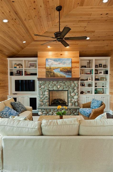 River Rock Fireplace Design by 17 Best Ideas About River Rock Fireplaces On