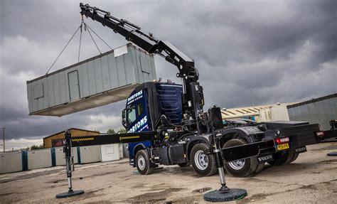 tonne front axle rating  fh crane truck clinches deal  nortons hiab services fleet uk