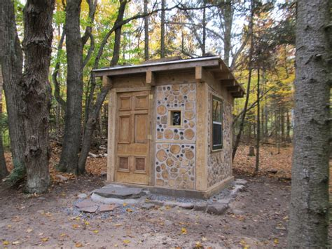 Cordwood Hermit Hut by Rob Roy   The Shelter Blog