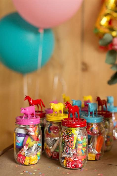 Kids Birthday Giveaways - 1000 ideas about birthday souvenir on pinterest safari theme 90 birthday and