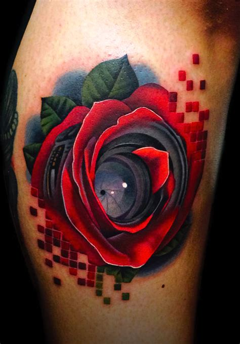 tatuagem de rosa vermelha na panturrilha fotos tatuagem