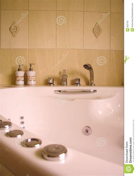 Moderne Duschen 2553 by Innenraum Des Modernen Badezimmers Mit Stockbild