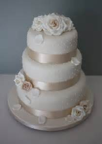 3 tier wedding cake images tiers tiaras allt yr ynys roses and dots wedding cake