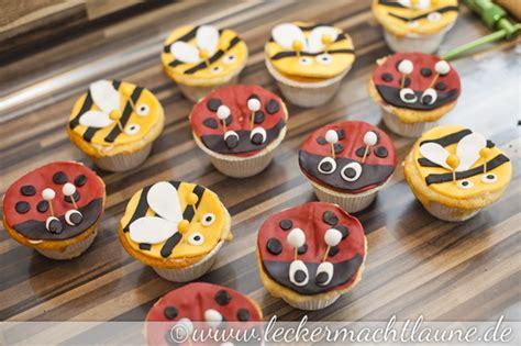 bienen kuchen tutorial cupcakes als marienk 228 fer und bienen verkleidet