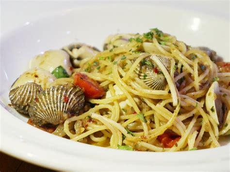 Minyak Tawon Di Apoti 8 restoran italia di jakarta yang punya menu aglio olio paling enak pergikuliner