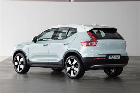 New Volvo XC40 revealed   pictures   Auto Express