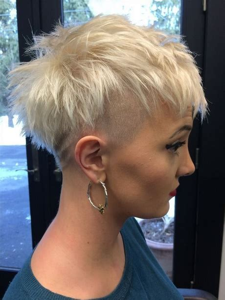 kurze blonde haare