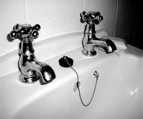 rubinetto perde acqua riparare rubinetto perde consigli e idee habitissimo