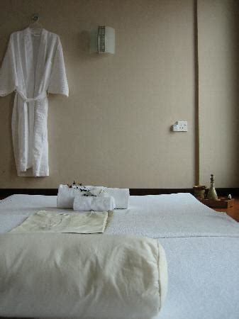 Kursi Roda Nagoya triniti hotel batam nagoya indonesia review hotel