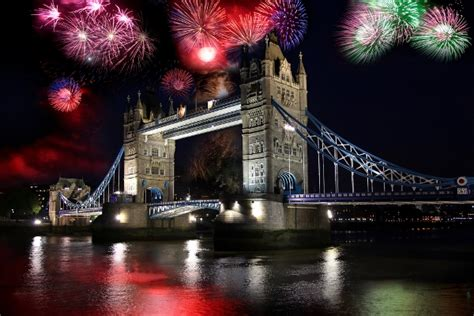 thames river cruise new years eve 2014 uk s biggest new year s eve parties to welcome 2014
