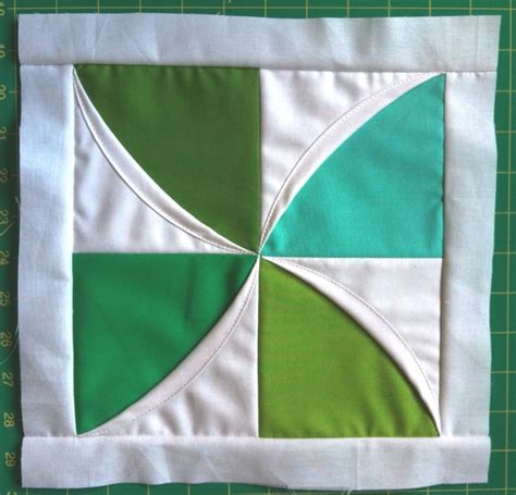 Cathedral Window Quilt Block Tutorial by Modular Cathedral Window Block Tutorial Aaa Quilting