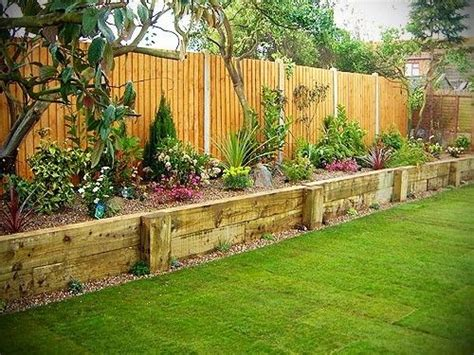 flower bed fence 1000 ideas about landscaping along fence on pinterest landscaping plants how to