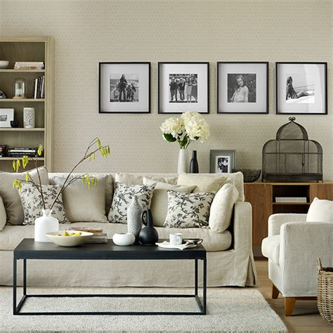 living room displays creative ways to hang photos ideal home