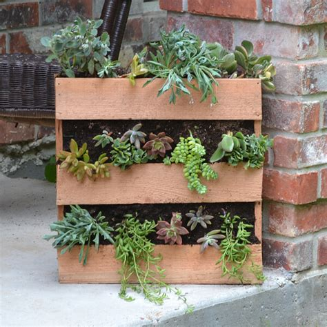 how to make a succulent planter cedar pallet succulent planter dream a little bigger