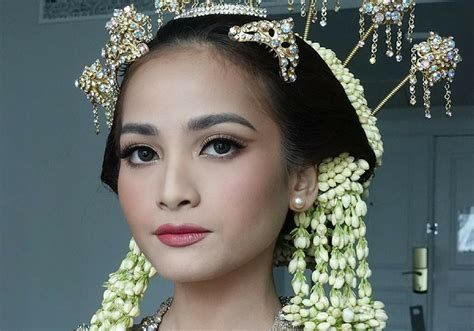 Make Up Bumiauw 8 inspirasi makeup pengantin adat jawa ala artis