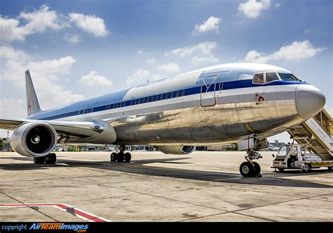 boeing  er ncm aircraft pictures