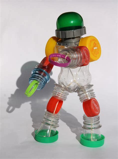 robots de trozos de botellas como hacerlos роботы에 있는 игорь님의 핀 pinterest
