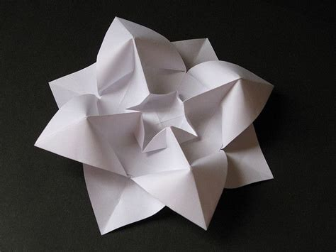 Origami With Copy Paper - fiore bombato curved flower origami from one