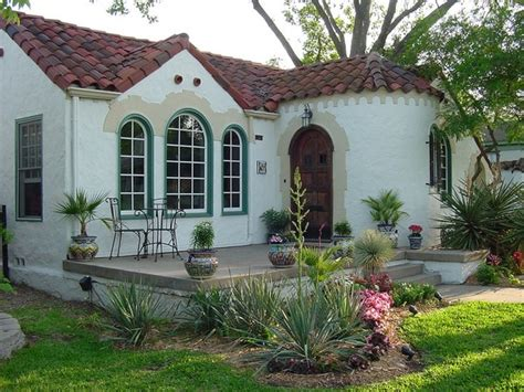 spanish mediterranean architecture bungalow courtyard spanish colonial revival bungalow beautiful homes