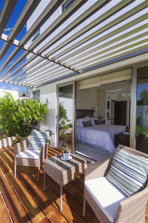 Picturesque Contemporary House Design; Casa Kopche in