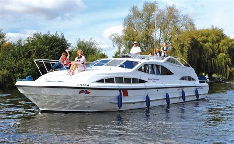 holiday on a boat uk boat hire on the norfolk broads norfolk broads direct
