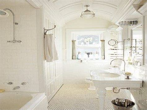french country small bathroom  decorelated