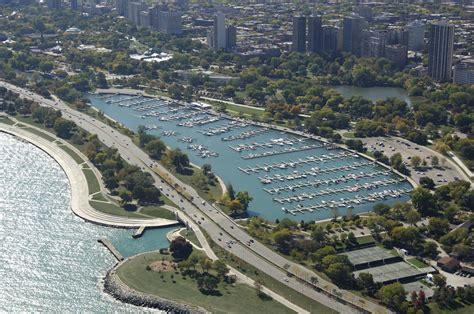 boat slip diversey harbor diversey harbor lagoon the chicago harbors slip dock