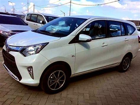 Mobil Toyota Calya toyota calya tebar foto eksterior dan interior mobil