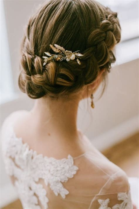 5 Inspired Wedding Hairstyles by 5 Winter Wedding Hair Tips And 34 Exles Weddingomania