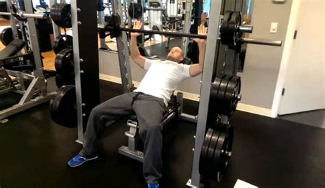bench press with smith machine smith machine incline press bodybuilding wizard