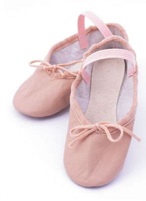 how to clean ballet slippers how to clean leather ballet shoes pour white vinegar into