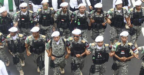 indonesian extremists  gaining ground