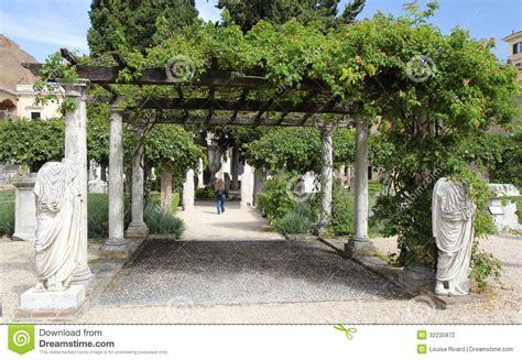 imagenes jardines romanos jard 237 n romano fotograf 237 a editorial imagen 32230872