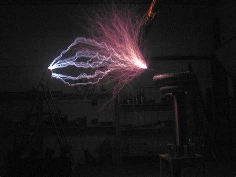 Tesla Lightning Drsstc Another Tesla About 2 Meters Lightning
