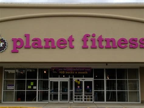 Planet Fitness Corporate Office by Planet Fitness Plans To Open In Andover In Mid February