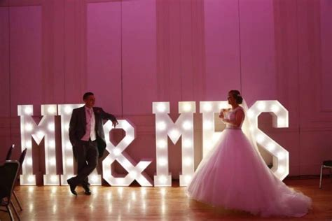 wedding themes photo gallery unique wedding ideas from hollywood led letters giant