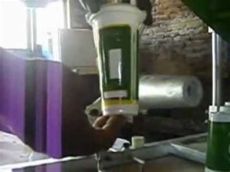 Gelas Palstik Sablon proses sablon gelas plastik