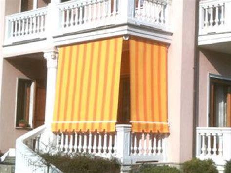 tende da sole e pioggia per balconi cielo soffitto decorazione